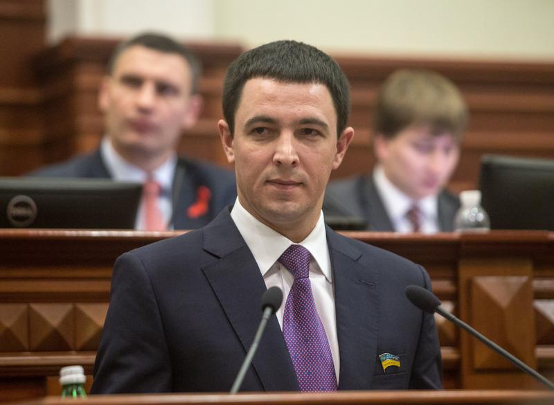 Секретар Київради - Прокопів Володимир Володимирович обговорює питання з депутатами на пленарному засіданні
