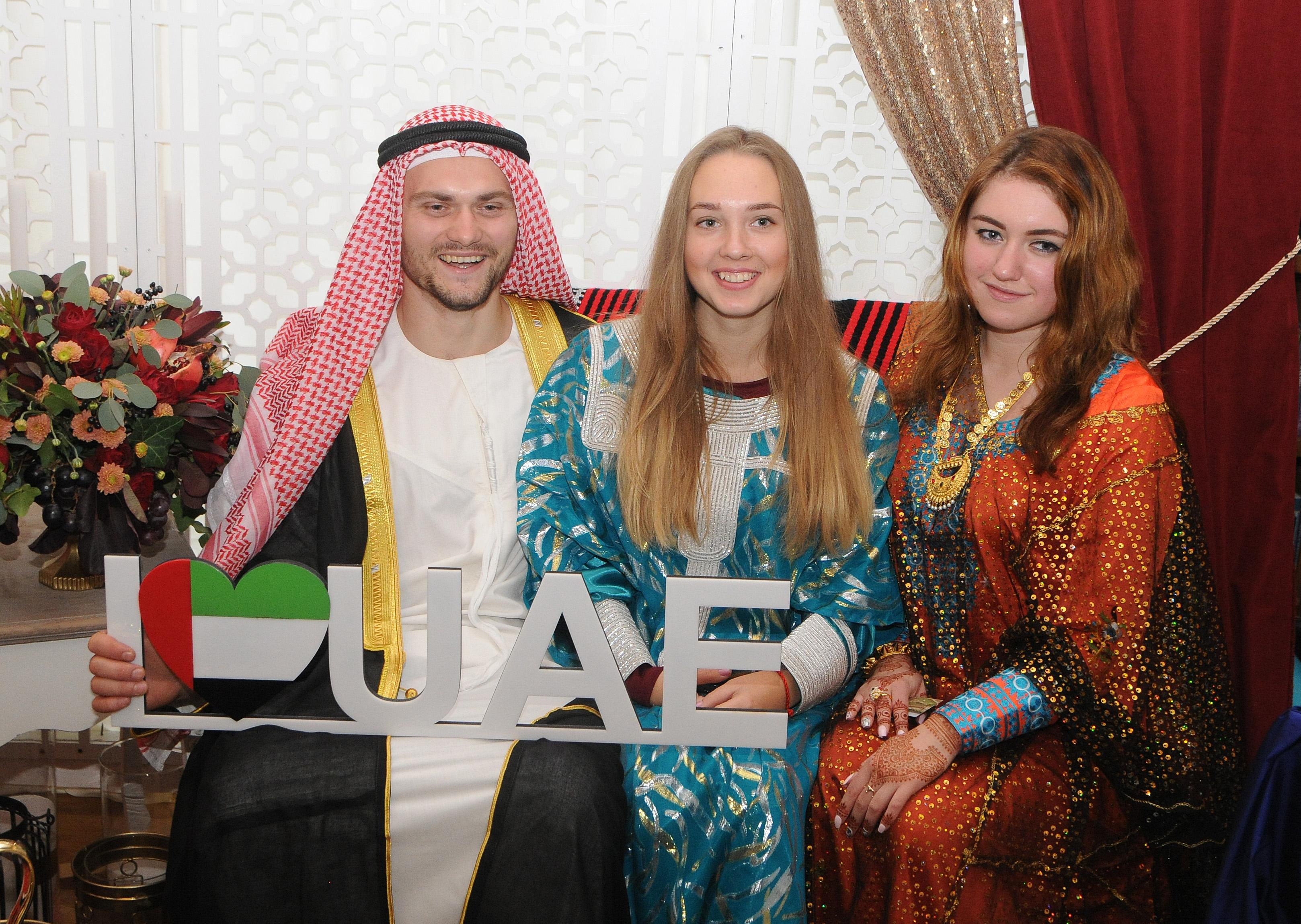 фестиваль культур, дипломатичні місії